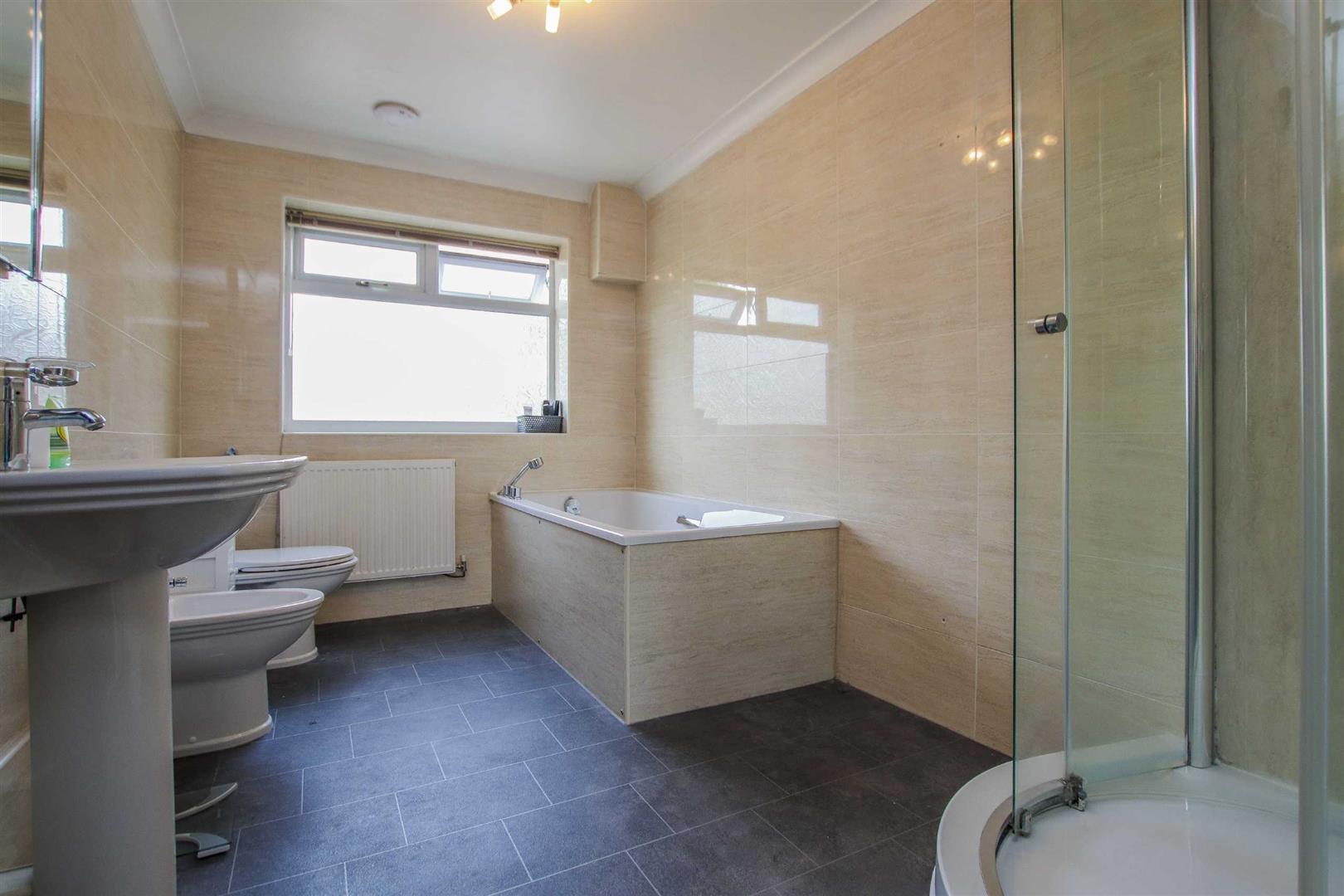 5 Bedroom Detached Bungalow For Sale - Image 20